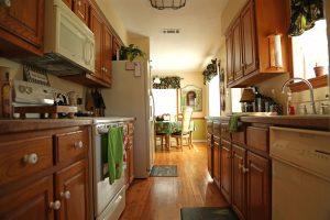 Kitchen Opposite view